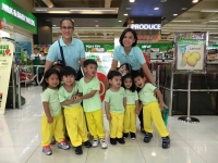 Nursery Kids Fieldwork to Robinsons Supermarket