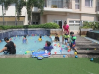 Summer Swimming Party at Circulo Verde!