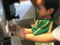 Toddlers fieldwork at Pinkberry ATC