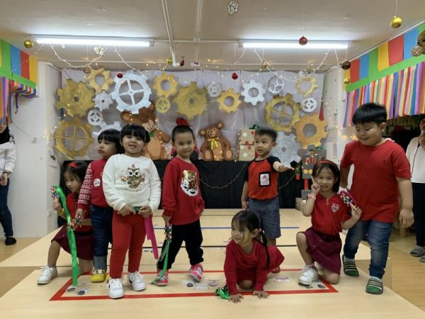 Cambridge Legaspi Christmas Party 2019 website article PIC 5