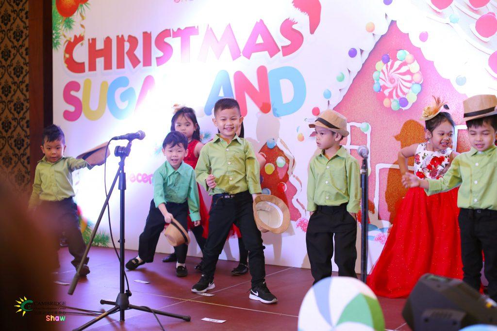 Christmas_Sugarland_07